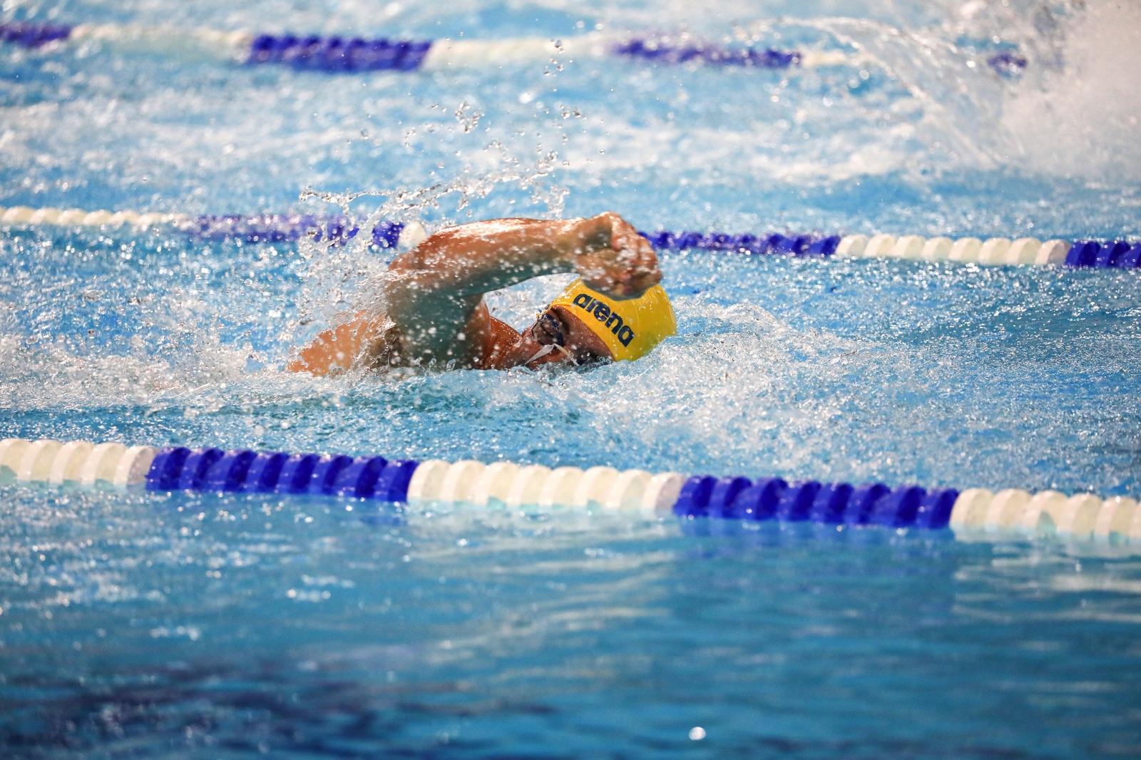 Simning.