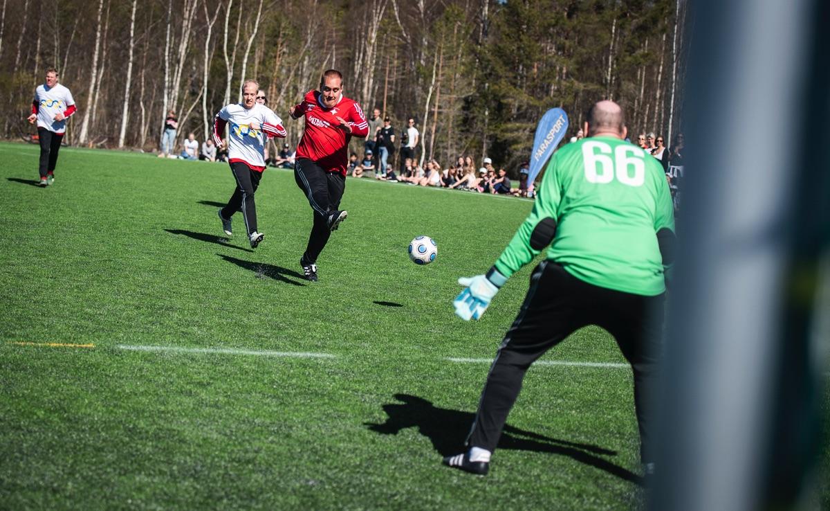 I samband med Storsjöcupen arrangeras en vänskapsmatch mellan allsvenska Östersund FK och ett parafotbollslag med internationell prägel.